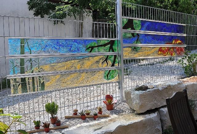 Glas im Garten Gartenstele aus Glas - Der Glasgarten am Glasstadel ...